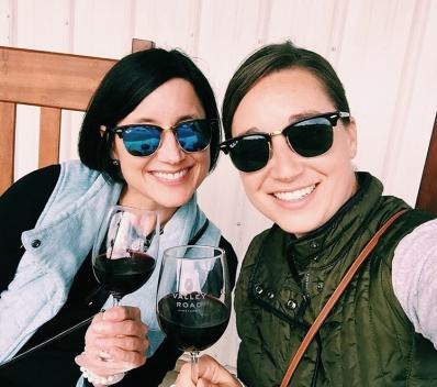 alli-and-amy_virginia-winos